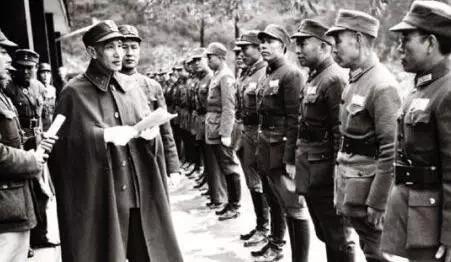 中央军在抗战中牺牲究竟有多大?蒋介石10年心血,几乎在这一战损失殆尽