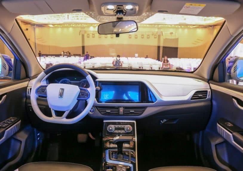 国产造车新势力车标似林肯外观仿奔驰看到售价尴尬了_七星彩走势