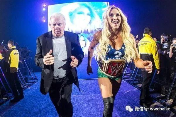 她多次在WWE夺冠父亲是名人堂成员如今又要争夺女子冠军_北京赛车