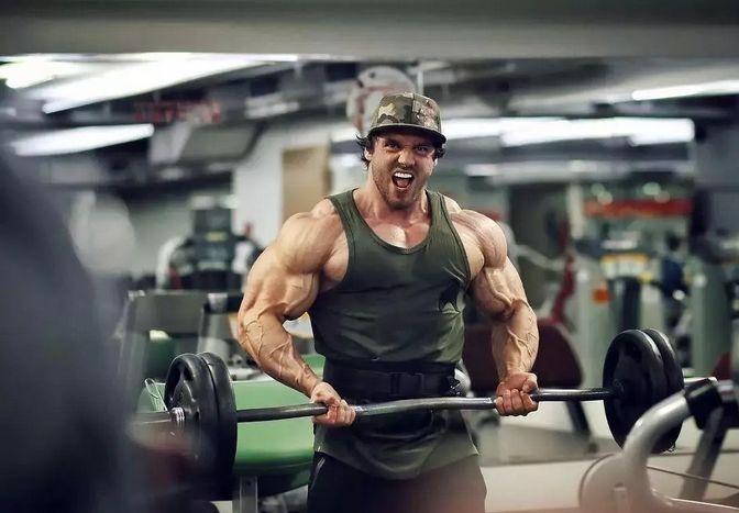 男人撸撸_臂围55cm的肌肉奶爸,看完你就知道男人为什么要健身了