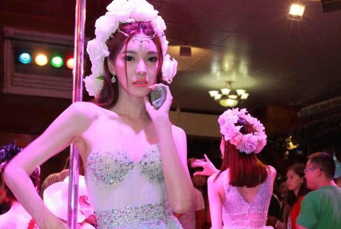 """泰国的""""人妖""""和女人怎么分辨,不用身份证,记住2点就能辨认"""