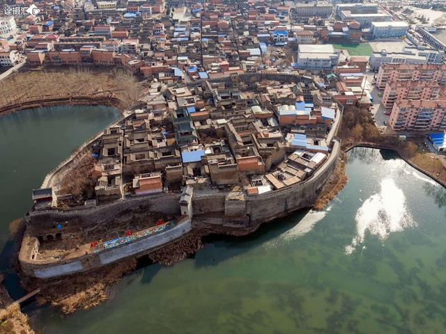 山西一座500年古城,建在椭圆巨石上,城墙坚固不怕地震洪水