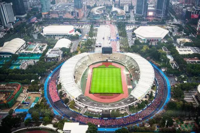 2018广州马拉松赛成功举办