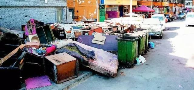 为什么越来越多的家庭开始弃用那些垃圾家具,而选择了红木家具?-酸枝木
