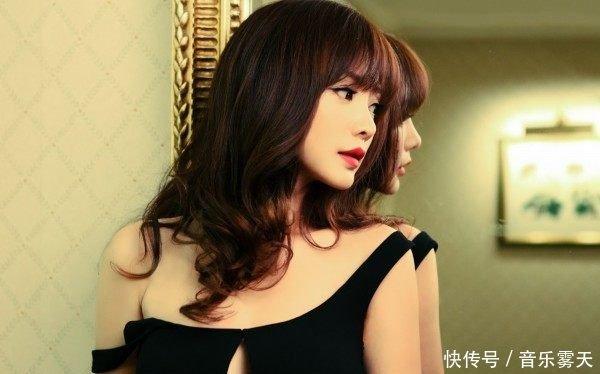 杨洋微博公开示爱女友不是郑爽、李沁而是成熟、重口味的她
