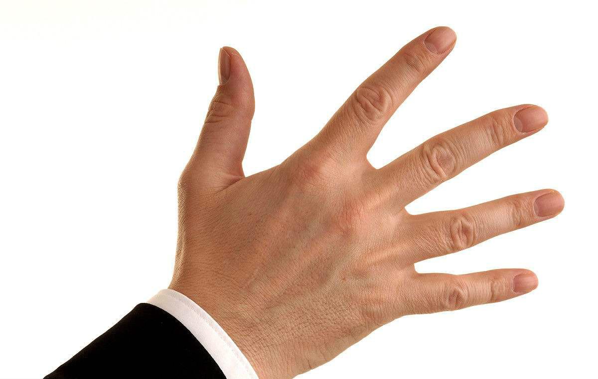 一旦手指上出现这种隆起,最好检查一下肺部,肺癌可能已经找上你
