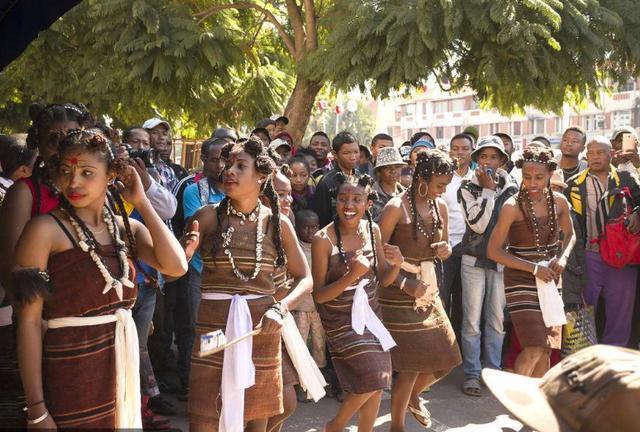 马达加斯加独立十年人口_马达加斯加的企鹅