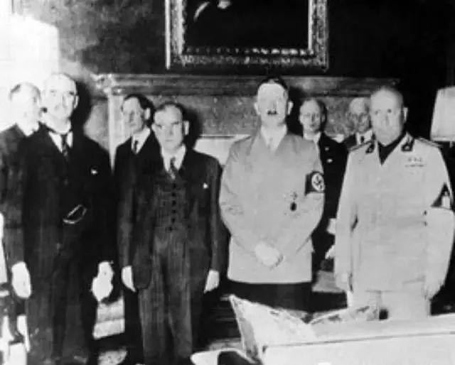 二战的爆发与两个阴谋有关,一个是慕尼黑阴谋,另一个你不知道
