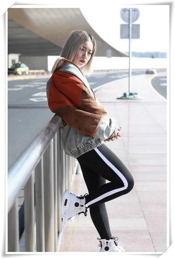 王菊120斤的大妈身材,却赢过84斤的蔡依林,果然自信的女人才最美
