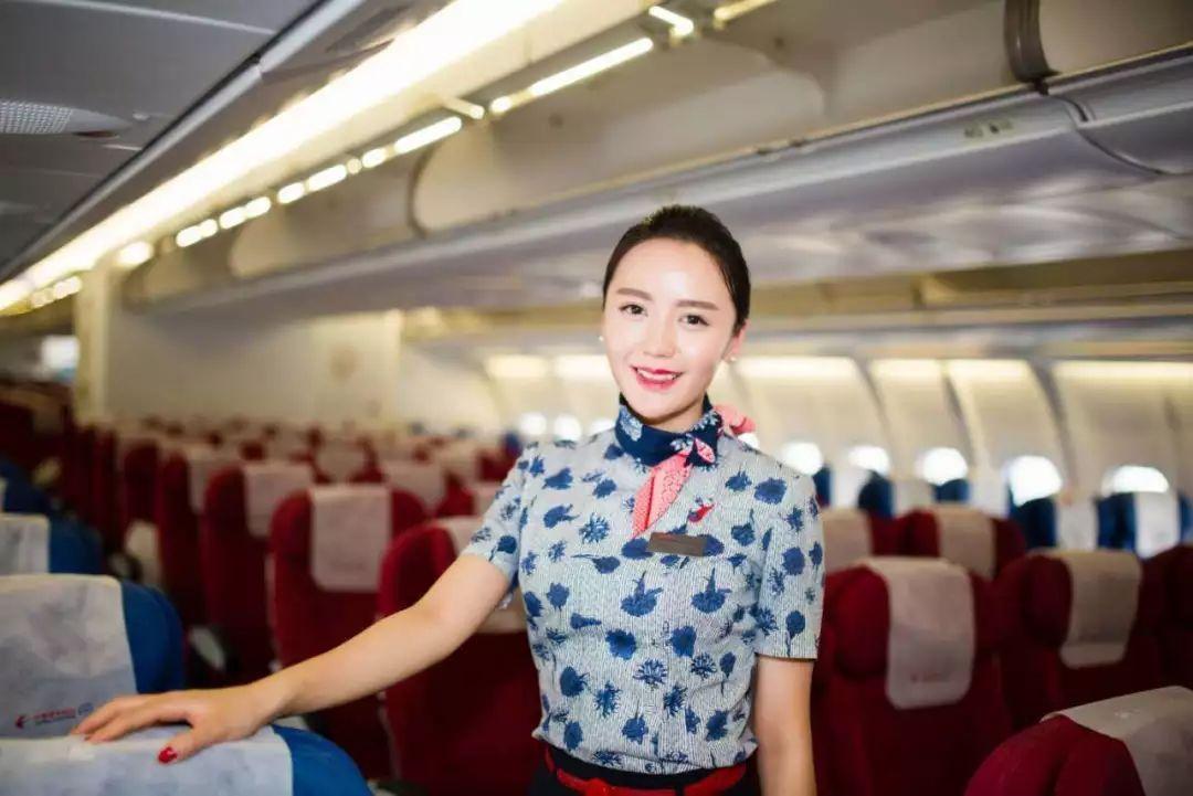 新疆女孩的梦想3次方 从舞者 演员到东航空乘图片