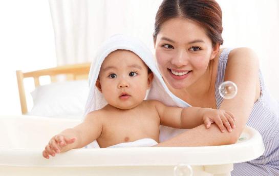 新生兒臍帶多久會掉?寶寶肚臍需要怎樣護理?