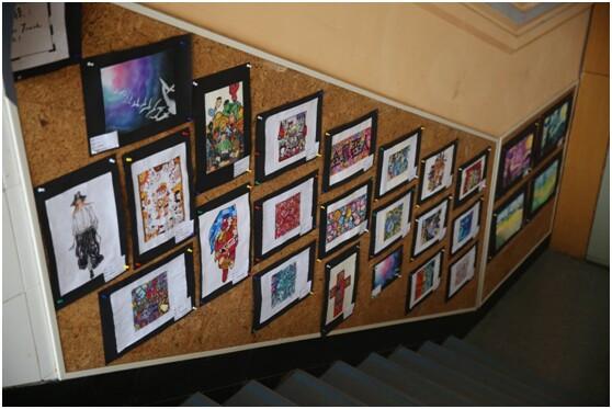 高三学生在学校美术老师的指导下,以西方艺术史,艺术涂鸦,创意手抄报