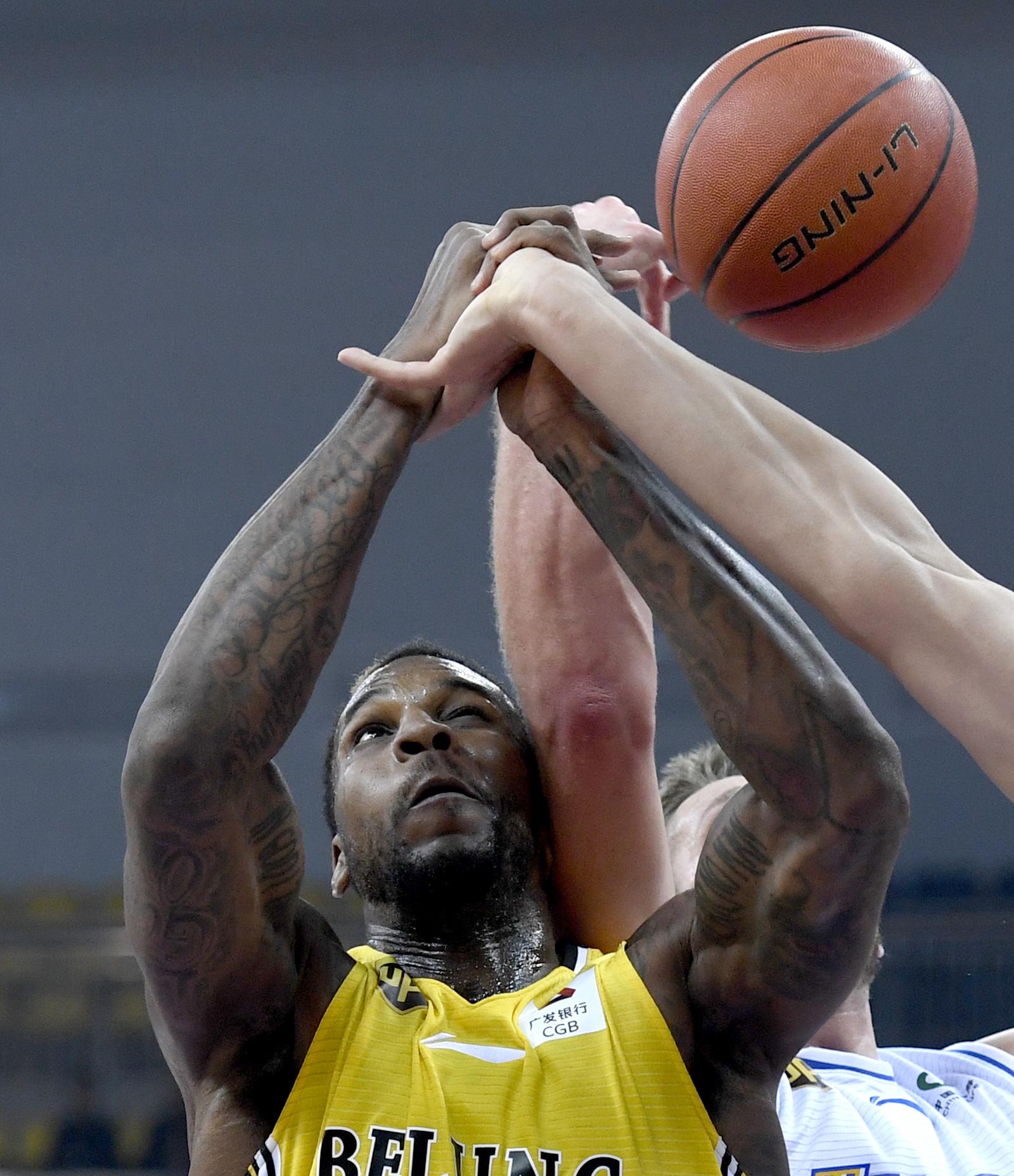 (体育)(7)篮球——CBA常规赛:天津滨海云商金控胜北京农商银行