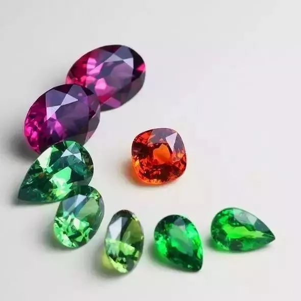 关于石榴石你一定要知道的6大常识据说第4个对女人影响很大!