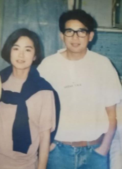 秦汉和林青霞30年前合影旧照 俊男靓女青涩甜蜜