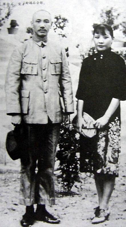 被影视剧误导许多年,原来宋氏三姐妹中最美的是宋庆龄图片