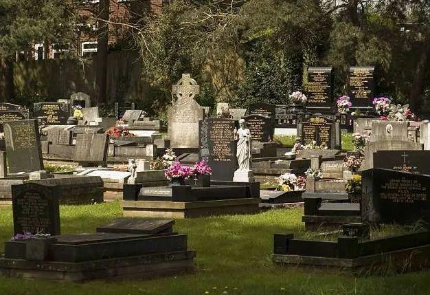 卫生下葬与情感升华 现代英国火葬文明的形成及其意义