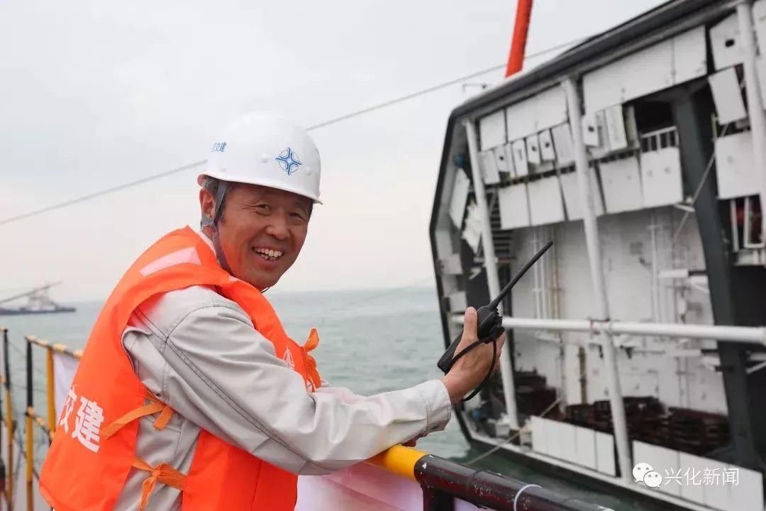 今年10月23日,作为港珠澳大桥工程项目的施工代表受到习近平总书记的图片