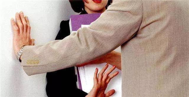 迪拜单身汉尤其注意!对阿联酋不尊重妇女的罚款10,000迪拉