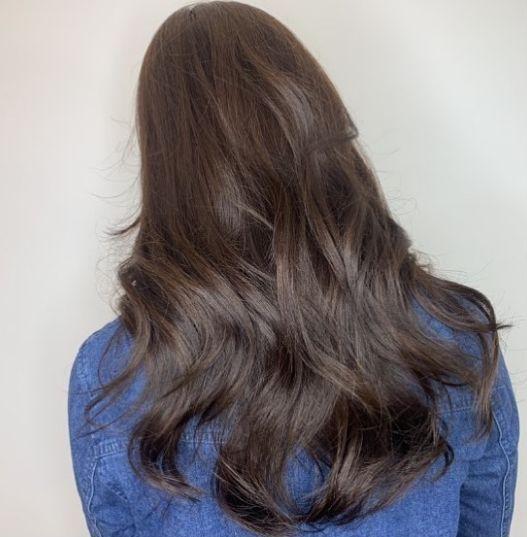 主要以八字刘海,法式空气刘海,韩式外翻刘海及不同长度的头发,烫出自图片