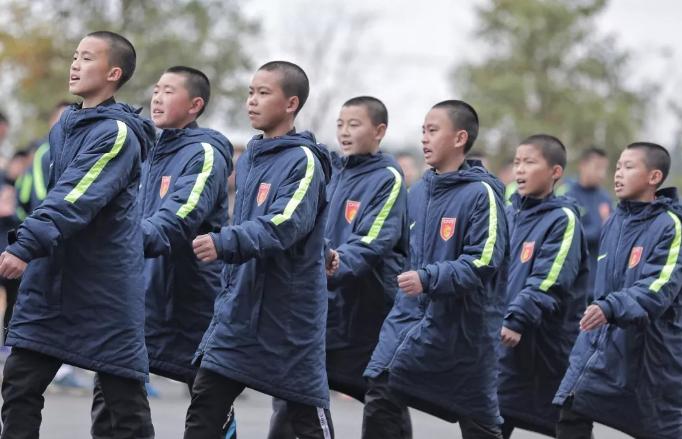亚博:华夏军训竣事, 小将: 熬炼了意志, 加强集体声誉感