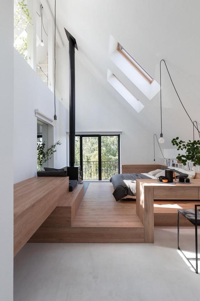 大约都很喜欢明亮的室内环境吧~  在这两个位置设计天窗主要也是是图片
