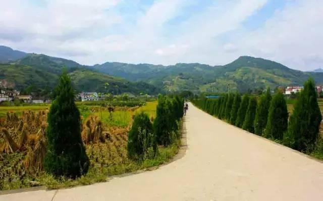 万源人口最少的乡镇_万源八台山风景区图片