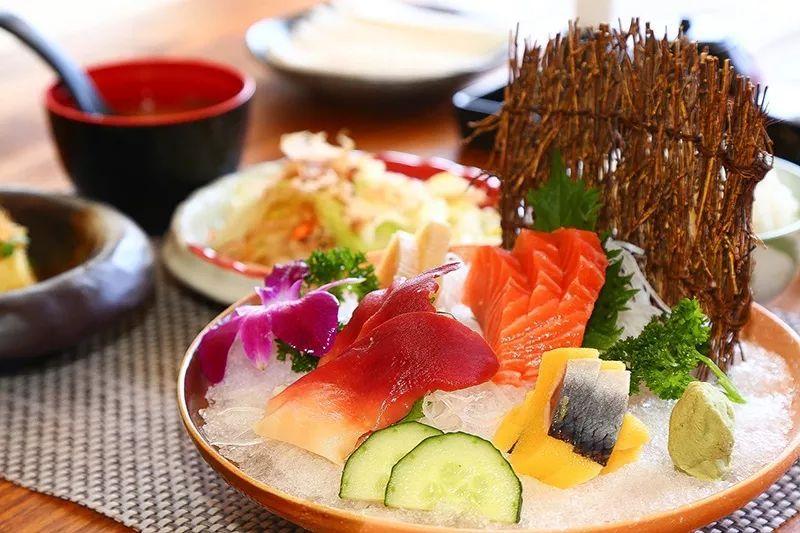 1.2m以下的儿童免费 各类寿司刺身 焗烤龙虾 鲍鱼吃到爽