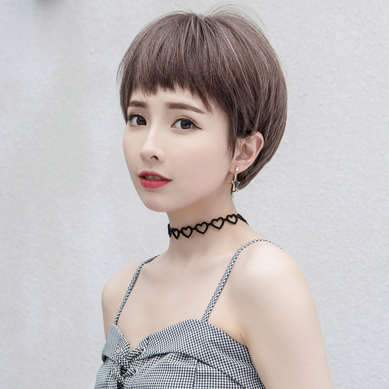 和明星一样发型,高端气质,特别的显洋气,给人一种知性而又优雅的女人图片