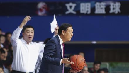 CBA焦点战再现争议判罚!听听赛后上海主帅李秋平是怎么说的?