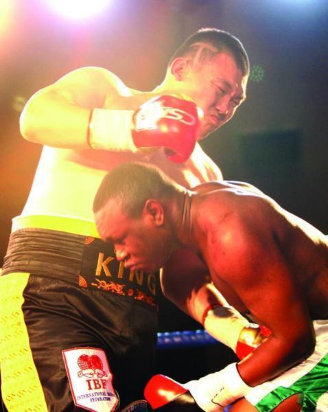 中国泰森张君龙击腹技术重量级第一,闷雷重拳独步世界拳坛!
