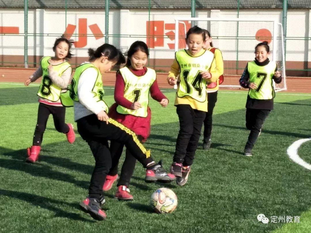 市教育局开展校园足球特色校观摩