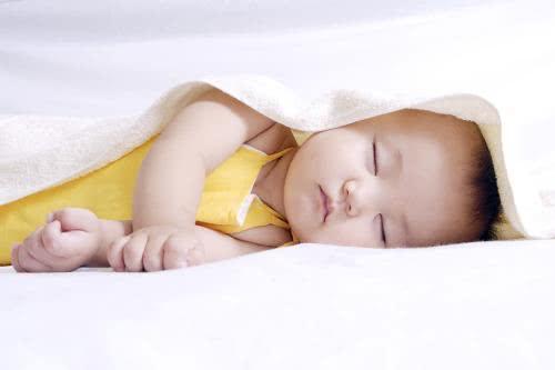 侧卧睡觉为什么会腿麻
