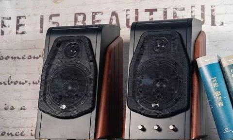 惠威M200音箱评测:多彩箱体下的天籁之音