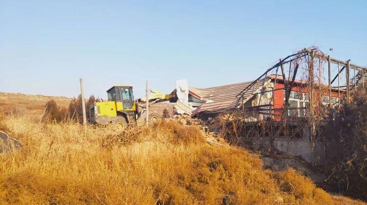 宣化区联合执法,拆除黄羊滩自然保护区违建!