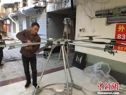 舒满胜的自制飞行器之一 武一力 摄图片
