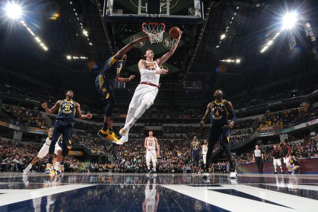 NBA:补篮绝杀!骑士在摆烂的路上再输一分 老鹰:兄弟给力啊