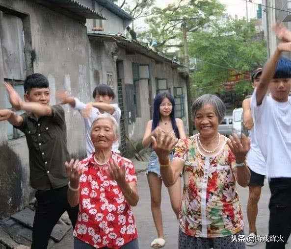 快手年龄最大的主播时尚奶奶去世,你也看过她的搞笑视频!