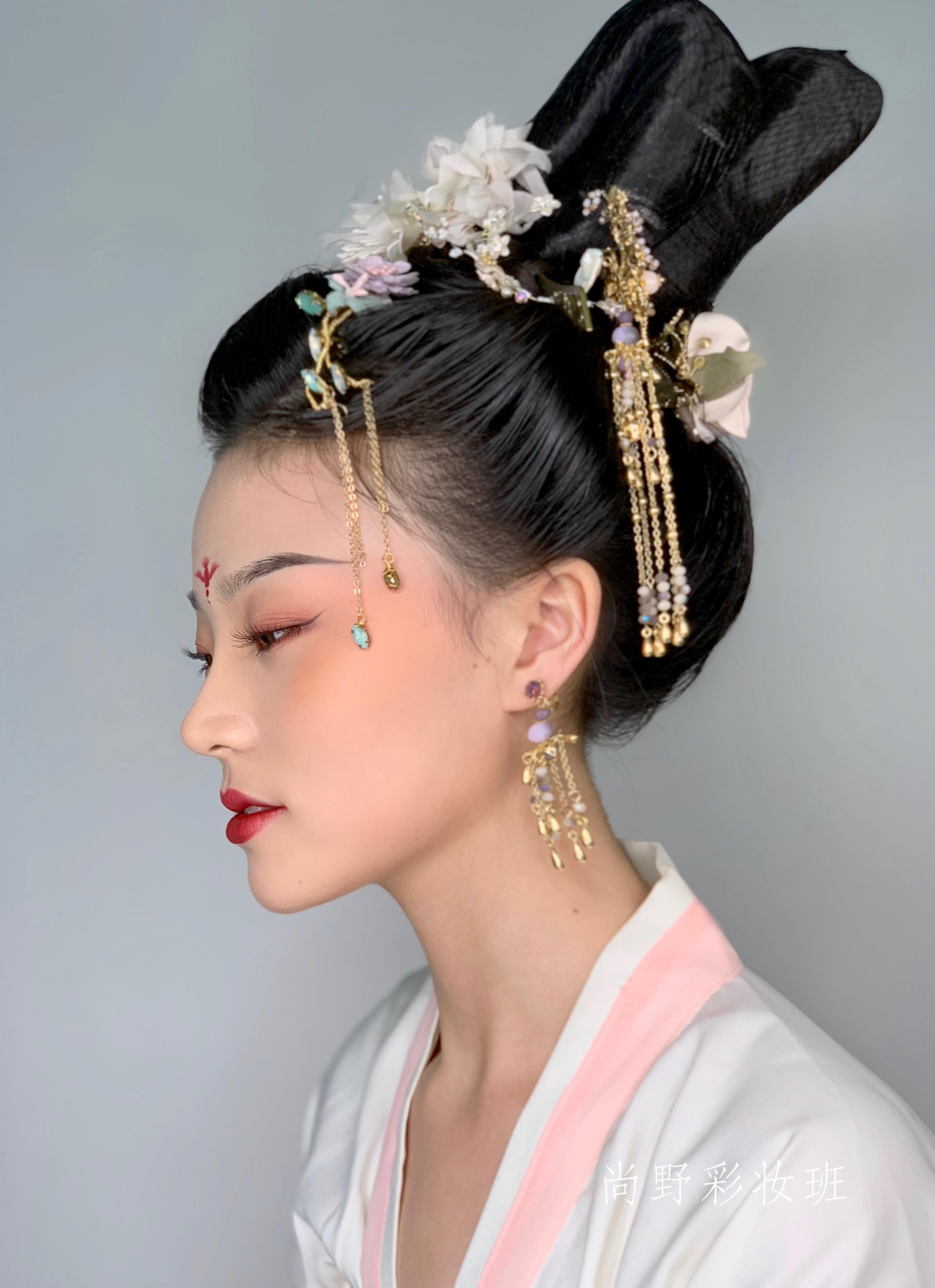 唐代古装女子图片剧照手绘