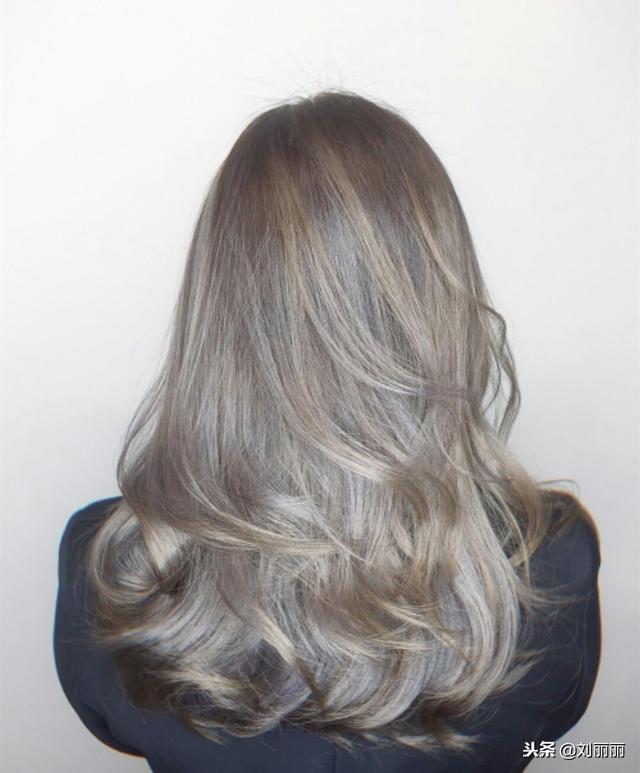 2019烫烫发尾是主流,18款流行发型送给你!烫完都说美图片