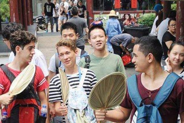 """中国大使馆发布声明 这些人将不再拥有""""中国国籍"""""""