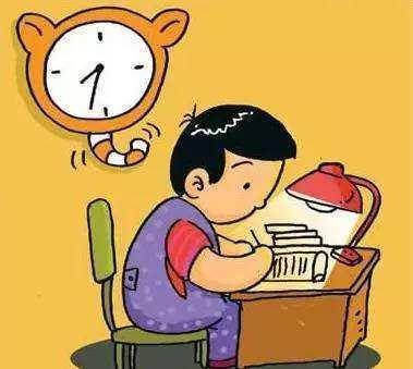 孩子放学回家第一件事是看课外书,家长很苦恼,老师来支招图片