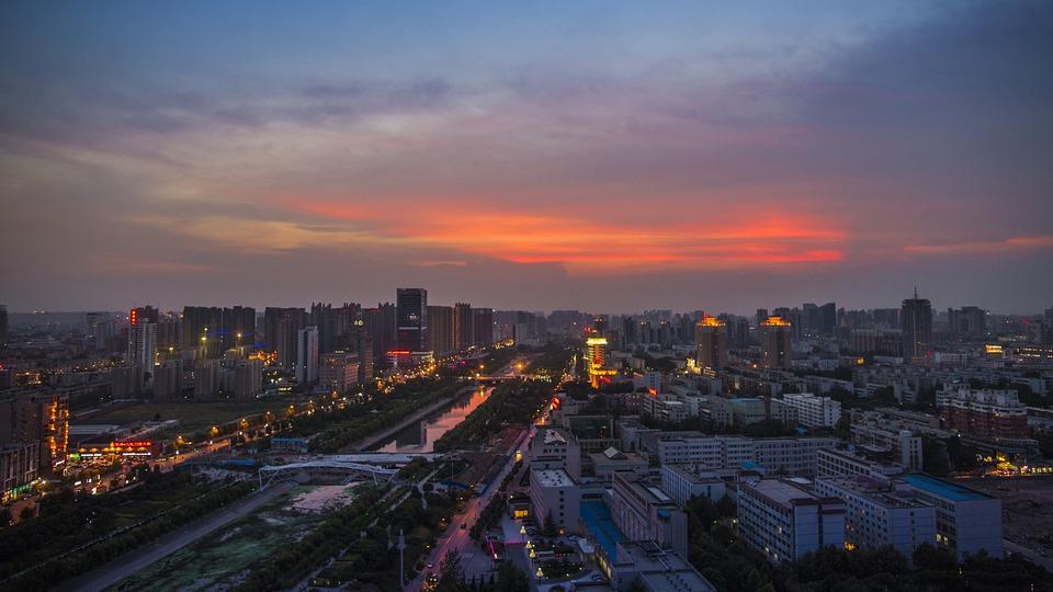 郑州一季度经济总量_郑州经济贸易学院