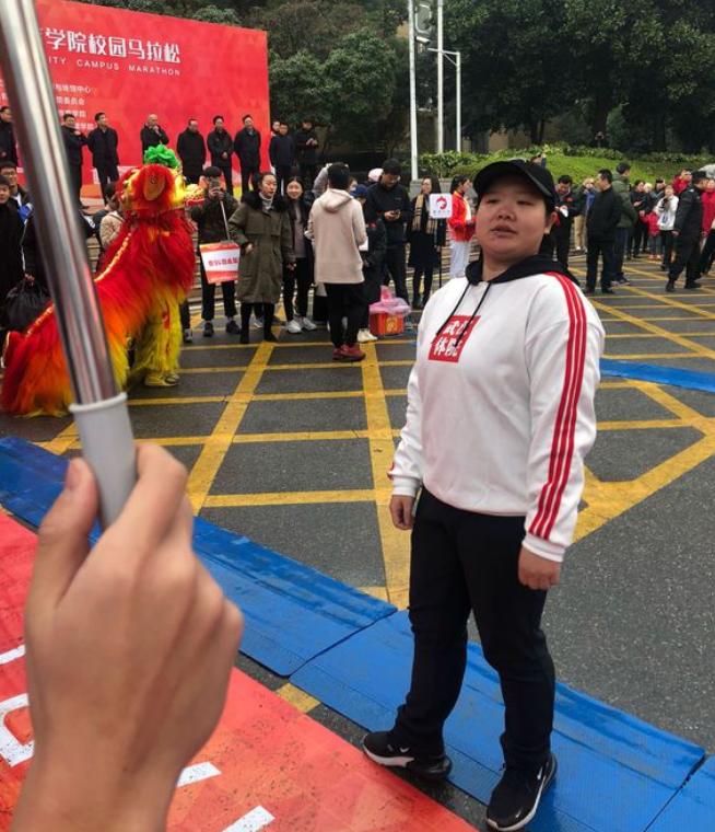 中国昔日体操女王最新照片曝光!参加校园马拉松赛已很难被认出