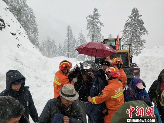 云南怒江贡山县大雪封山33名受困民众成功获救