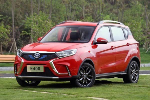 车主说江铃E400是一款纯电动SUV,车大小在| 10万左右,续航时间长,不尽人意。