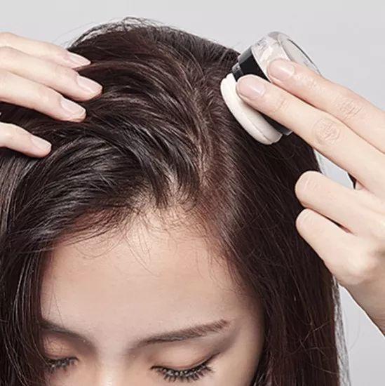 好物| 超模都爱用的蓬蓬粉,扑一扑,头发干爽蓬松有光泽!图片