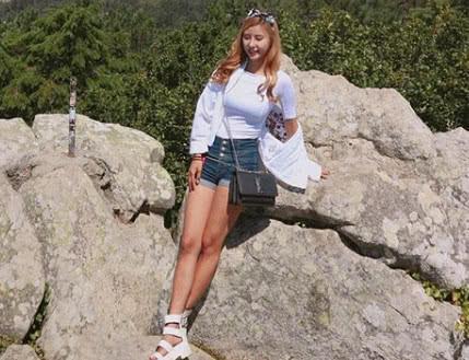 小妹妹人体_这位韩国的小妹妹叫作凯茜,是韩国的一位普通的工薪阶层,非常喜爱