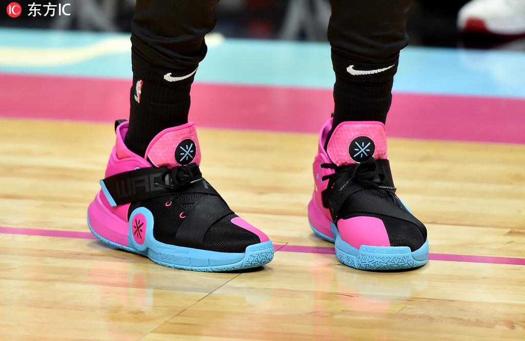 [狐]21日NBA球鞋上脚一览:保罗赛前上脚AJ7北卡蓝
