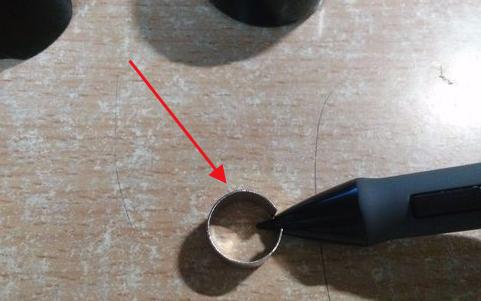 怎么换手绘板的笔芯?数位板的笔坏了怎么办?